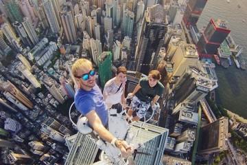 1 travel selfies