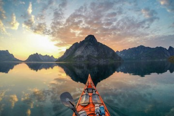 1 kayaker norway fjords