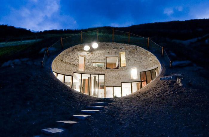1 underground house
