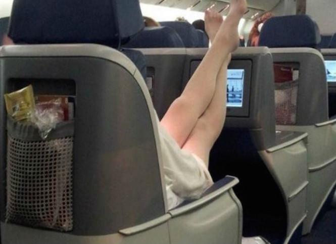 1 airplane comfy